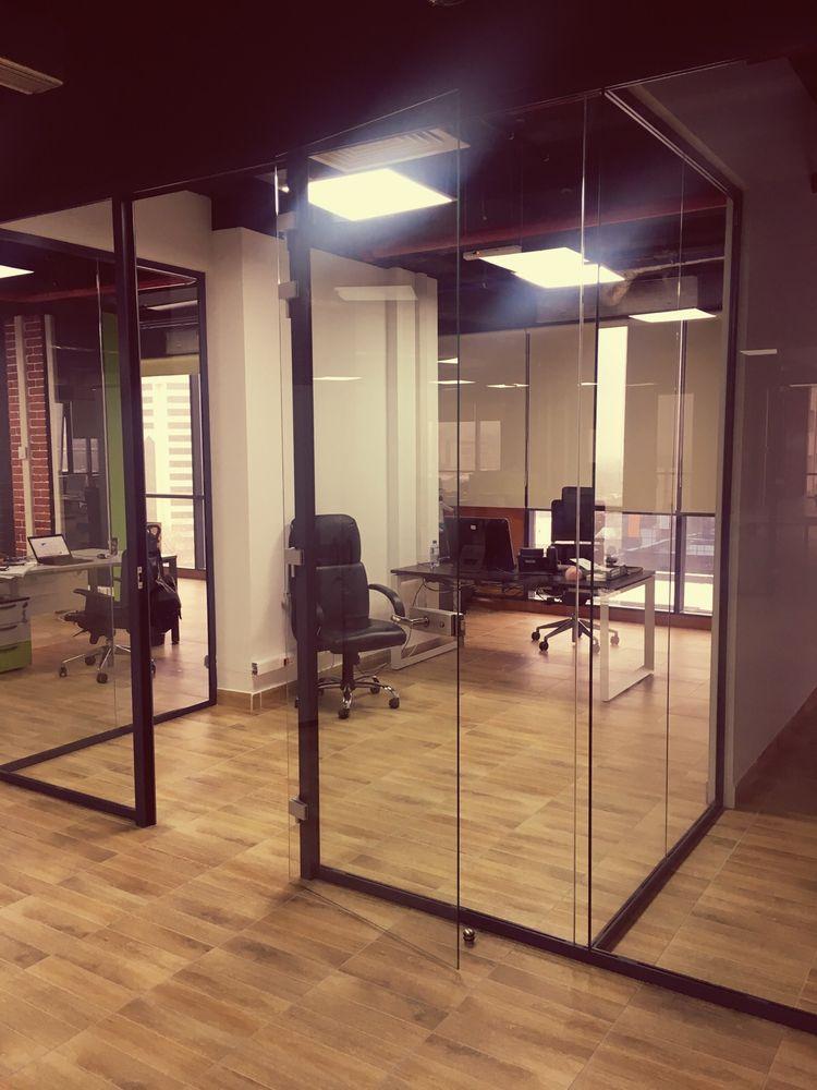 Фото Интересное решение для нового офиса компании