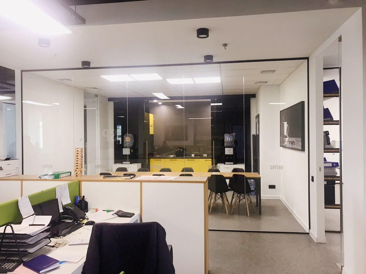 Фото Грамотное зонирование — одно из основных условий для эффективной работы офиса.