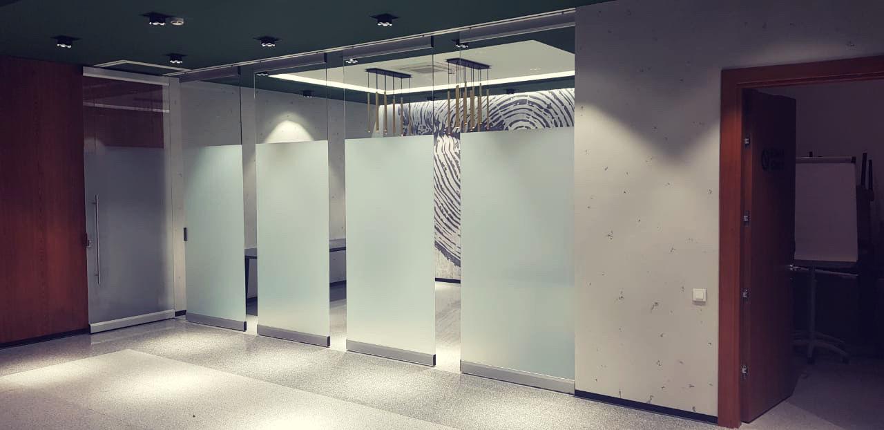 Фото Стены бывают мобильными: Трансформируемые перегородки компании NAYADA