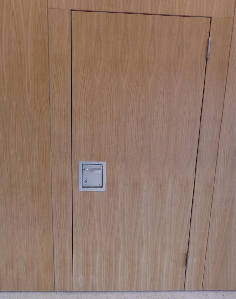 Фото Трансформируемая перегородка SmartWall H-7: Отделить холл от студии звукозаписи, и при этом пользоваться двумя пространствами - можно