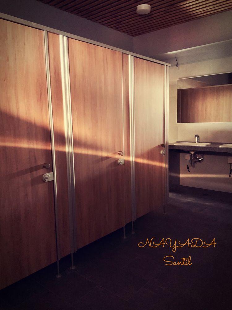 Фото NAYADA построила для вас комфортные сантехнические перегородки